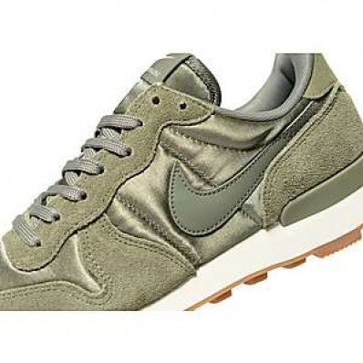 nike femme internationalist kaki
