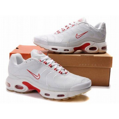 nike requin rouge et blanche