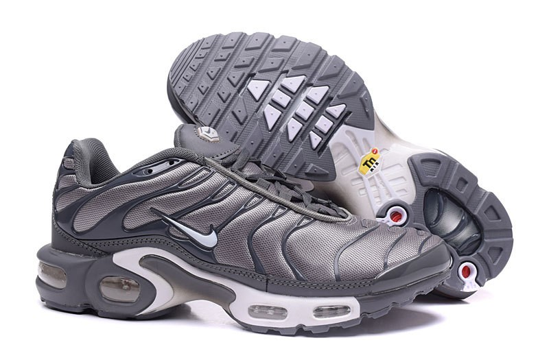 nike requin tn grise