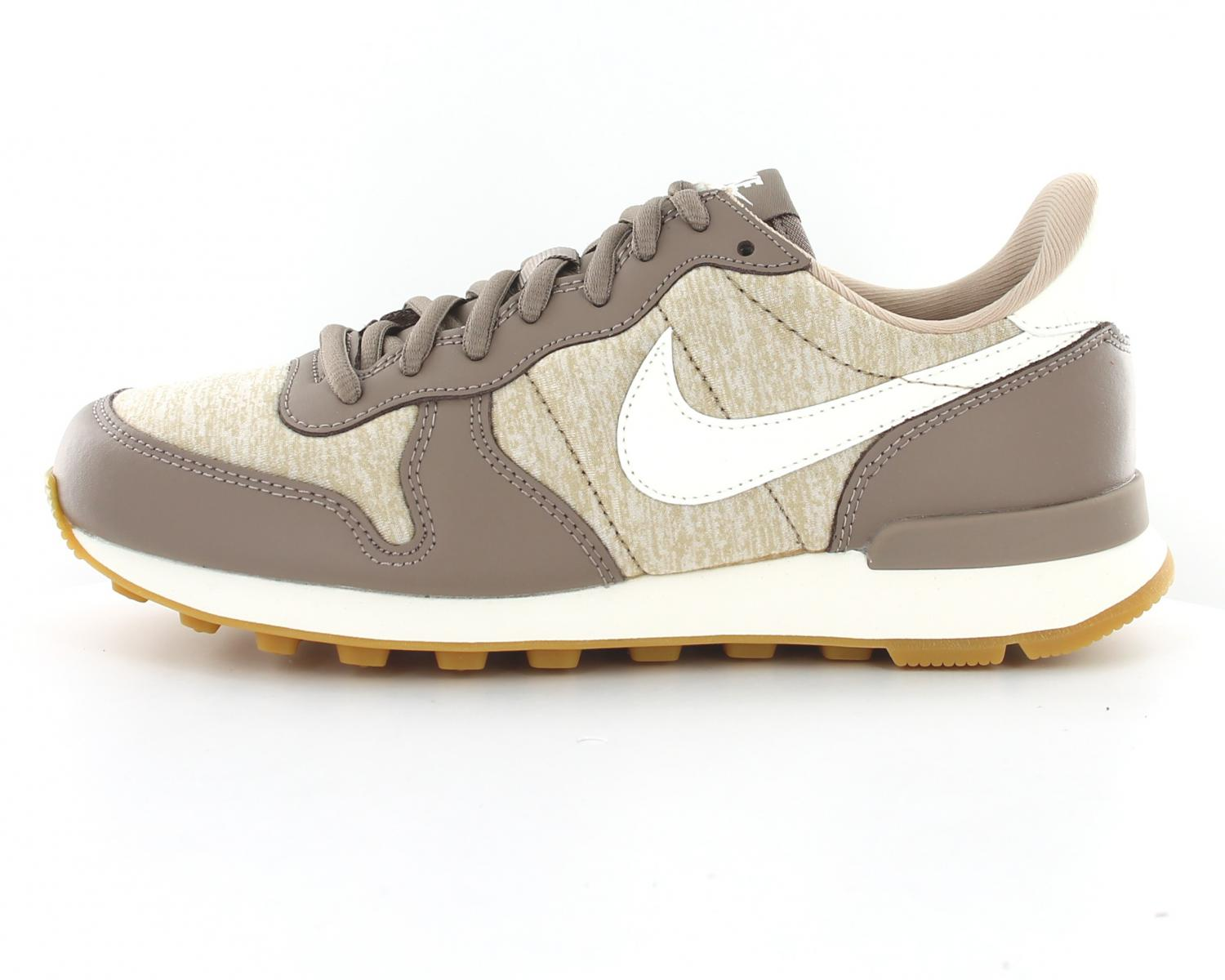nike femme internationalist marron